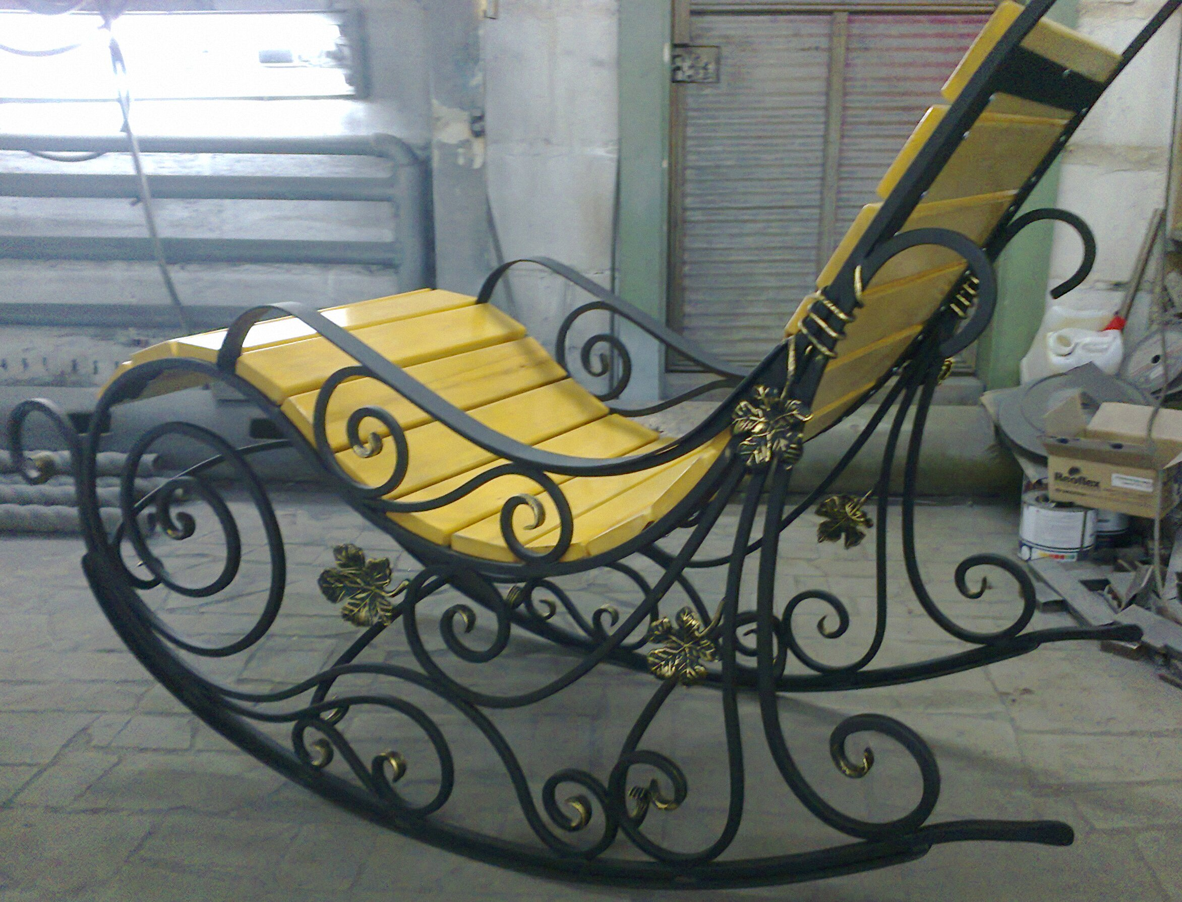 Кресло качалка кованная своими руками